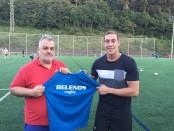 Javier Carrasco, con el técnico Mario Copetti.